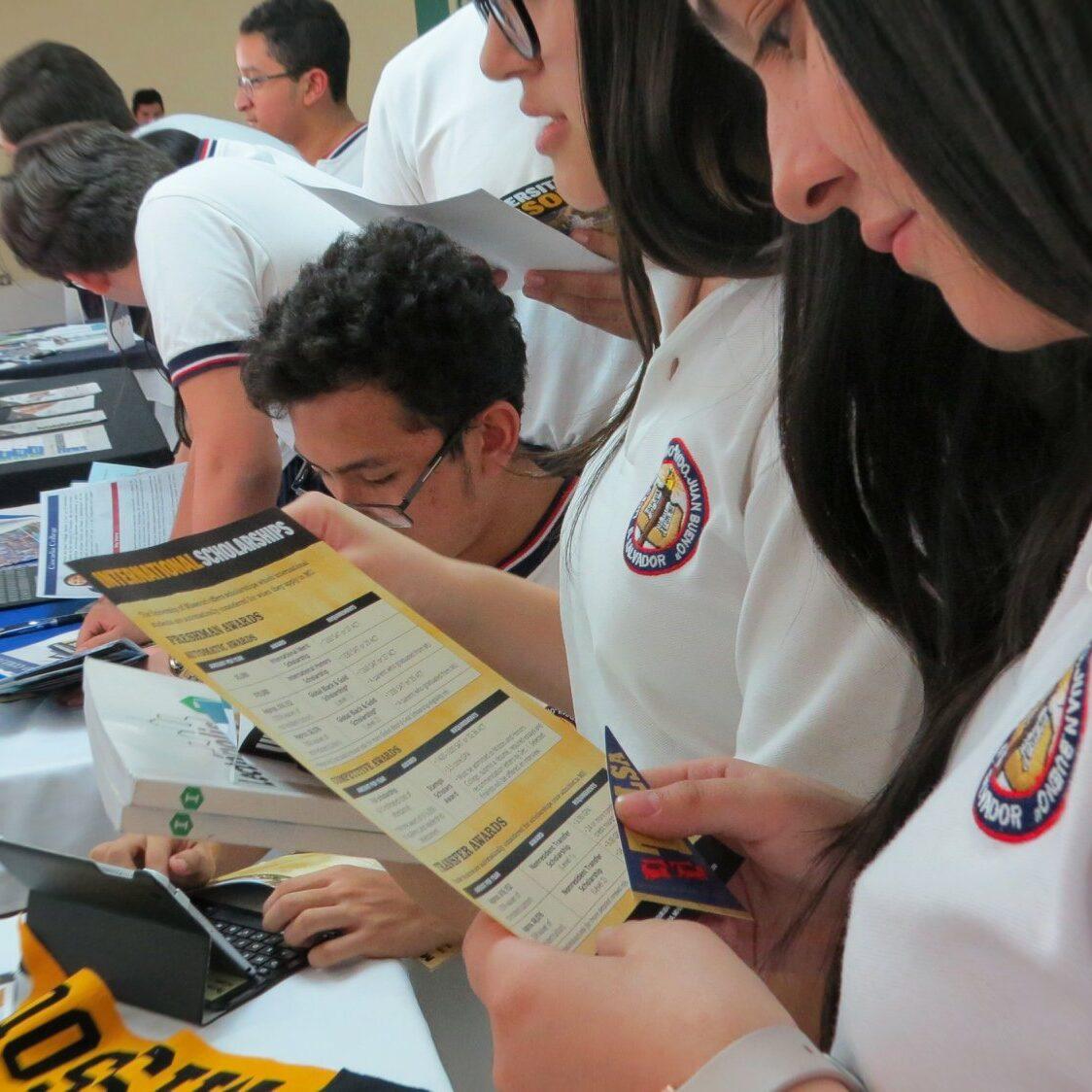Actividad de Feria de Universidades extrangeras San Benito 3